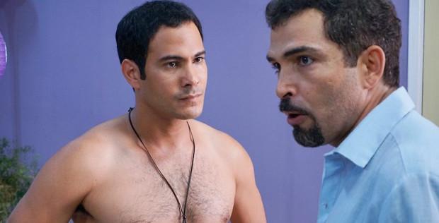 Carlos Enrique Almirante y Vladimir Cruz en una escena de Los buenos demonios, de Gerardo Chijona.